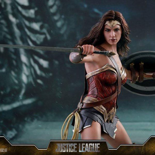 HOT TOYS – DC COMICS - JUSTICE LEAGUE MOVIE – Wonder Woman – Movie Masterpiece - 1