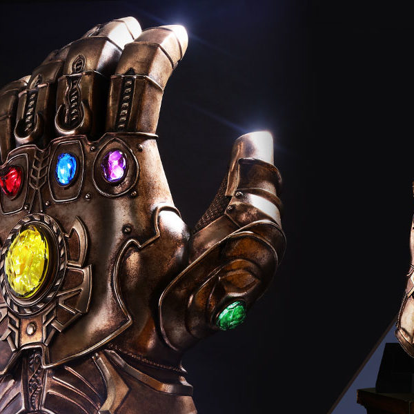 marvel-avengers-infinity-war-infinity-gauntlet-life-size-collectible-hot-toys-feature-903428